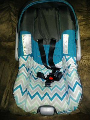 Gently used baby car seat for Sale in Atlanta, GA