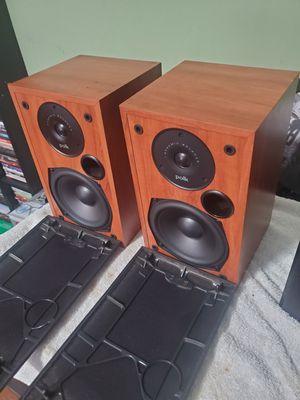 Polk audio like new bookshelf speakers for Sale in San Diego, CA