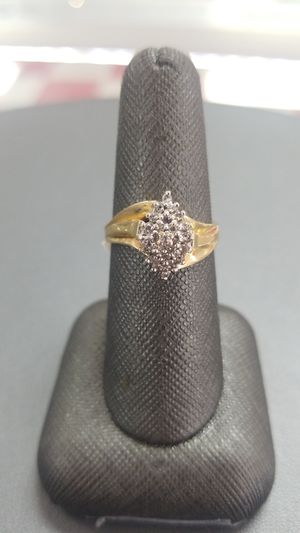 10K Gold Lady's Cluster Ring for Sale in Killeen, TX