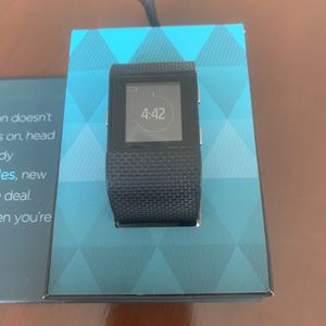 Fitbit Surge Size Large with extra charger included for Sale in Discovery Bay, CA