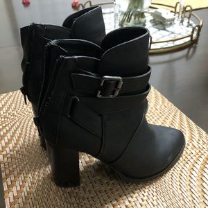 Fall Heeled Black Booties for Sale in Burlington, WA