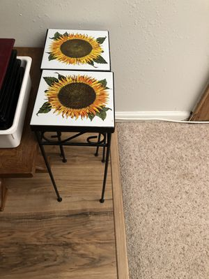 sunflower flower pot tables and two other tables for Sale in Denver, CO