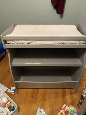 Changing table / book shelf / toy shelf for Sale in Bedford Park, IL