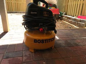 Bostitch 6 gallon air compressor for Sale in MONTGOMRY VLG, MD