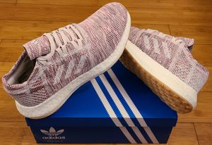 Adidas Boost size 7.5 for Women. for Sale in Lynwood, CA