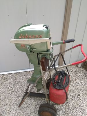 Vintage 1955 Johnson sea horse 5 1/2 horse original stand and gas tank and oil bottle . for Sale in Fremont, OH