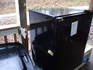 Small refrigerator for Sale in Davisville, WV