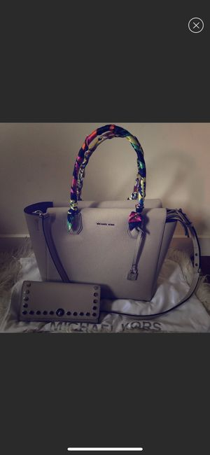 Authentic and new Michael Kors Mercer Satchel Set for Sale in Pittsburgh, PA
