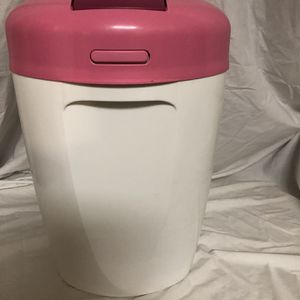"""Tommee Tippee Diaper Pail , 17""""x9""""x12"""" for Sale in Pennington, NJ"""