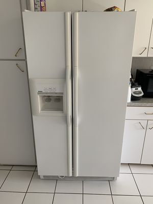 Kenmore Refrigerator for Sale in Southfield, MI
