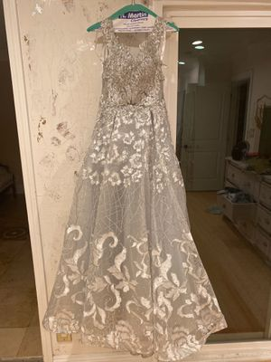 Ellie Wilde prom dress for Sale in Hawaiian Gardens, CA