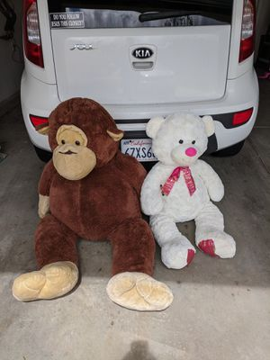 Huge teddy bears and stuffed animals for Sale in Vista, CA