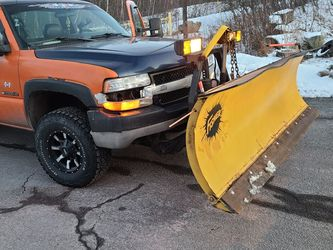 02 Chevy Silverado 2500hd With Fisher Plow for Sale in Hazleton,  PA