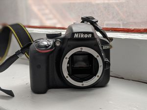 Nikon D3300 with lens and camera bag for Sale in Rochester, NY