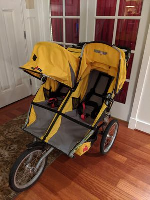 Bob Ironman double jogging stroller with rain cover for Sale in Issaquah, WA