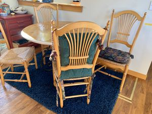 Table and chairs for Sale in Seattle, WA