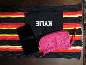 3 Makeup/brushes bag $7 Kylie bag for Sale in Norwalk, CA