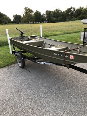12' Lowe jon boat with 8hp outboard for Sale in Mountville, PA