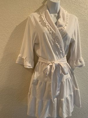 Gorgeous Betsy Johnson Robe for Sale in Fresno, CA