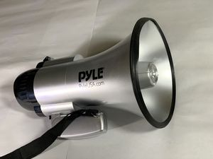 Pyle Megaphone Speaker PA Bullhorn - Built-in Siren - 30 Watt- PMP33SL for Sale in Henderson, NV