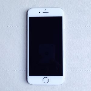 "Apple IPhone 6 16GB Factory Unlocked ""Excellent Condition"" for Sale in Fairfax, VA"
