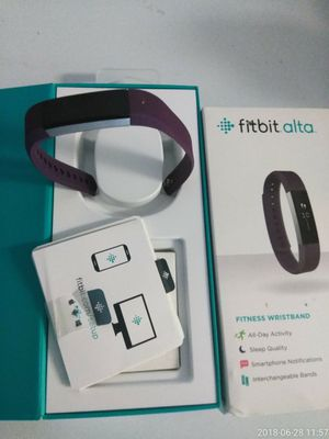 New Fitbit alta for Sale in Raleigh, NC