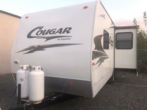 2006 keystone cougar 24ft with slide for Sale in Puyallup, WA
