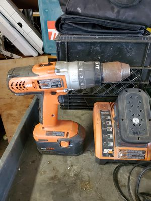 18 volt rigged cordless hammer drill with 2 batteries and charger for Sale in Steubenville, OH