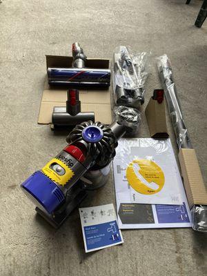Dyson V7 Animal Plus Cordfree Stick Vacuum - brand new No box for Sale in Los Angeles, CA