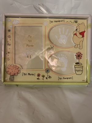 Disney Frame Pooh - 1st Photo Handprint And Footprint for Sale in Colchester, CT