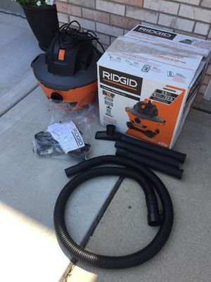 6 gal shop vac for Sale in Downers Grove, IL