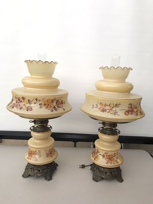 BEAUTIFUL QUIOZEL HURRICANE ANTIQUE LAMPS 3 WAY LIGHTING for Sale in Garden Grove, CA