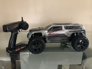 Redcat Blackout XTE RC Truck RTR Fast 25mph(Brand new) for Sale in Sterling Heights, MI