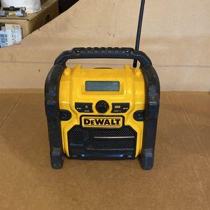 DeWalt DCR018 Radio/Aux Input, USB & Dewalt Battery Charger for Sale in Vancouver, WA