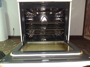 Frigidaire gallery Kitchen glass top home appliances for Sale in Pompano Beach, FL