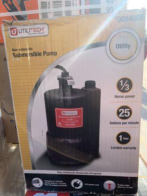 Utilitech 1/3 submersible pump for Sale in Miami, FL