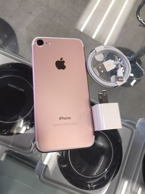 Factory Unlocked iPhone 7 32 gb for Sale in Medford, MA