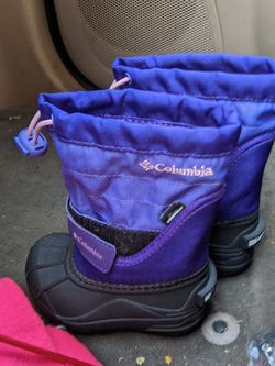 Columbia Kids Snow Boots for Sale in Oregon City,  OR