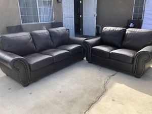 Leather sofa set for Sale in Victorville, CA
