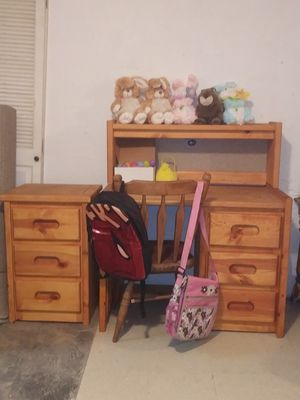 3 pc desk set(chair,desk/top has a light,stand for Sale in Cleveland, OH