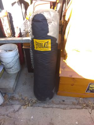 Everlast heavy bag for Sale in Houston, PA