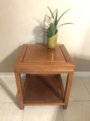 Small Cute Solid Wood End Table for Sale in Scottsdale, AZ