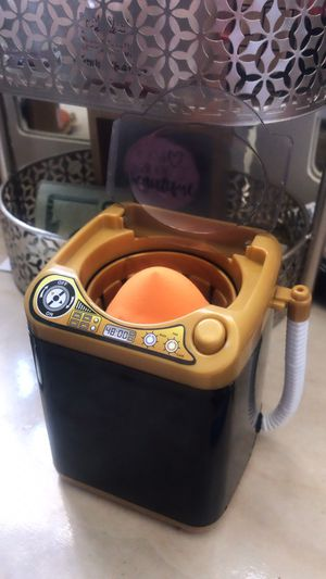Mini lavadora / washer for beauty blender for Sale in Buena Park, CA