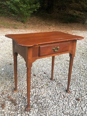 Antique Queen Ann occasional table w drawer for Sale in Villa Rica, GA