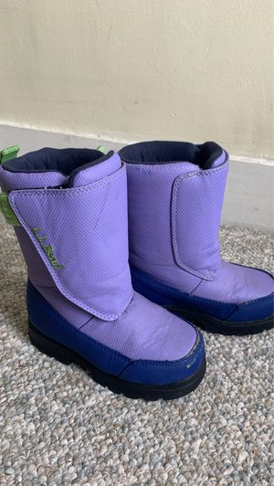 Girls LL Bean winter snow boots kid size 10 for Sale in Melrose, MA