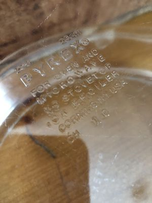 "Pyrex 10"" pie plates in GUC for Sale in Franklin, TN"