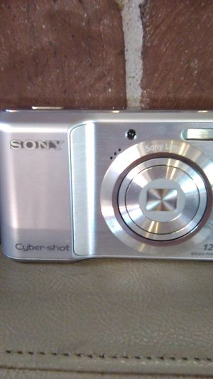 Sony cyber shot camera for Sale in La Puente, CA