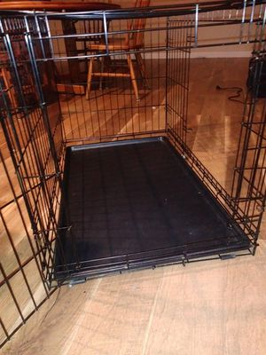 Dog canel double door 24 w × 24 h × 33 L for Sale in Edgewood, WA