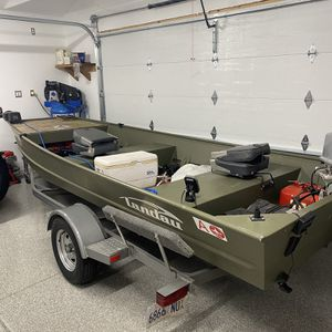 16 Foot John Boat Excellent Condition for Sale in New Lenox, IL