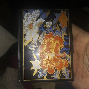 """Japanese laquer 6 """" jewelry/makeup portable vanity vase for Sale in Long Beach, CA"""